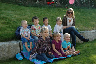 Kasperlitheater mieten Garten Zuhause Kindergeburtstag Kinderparty