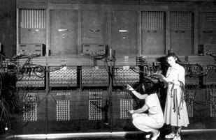 eniac 4 - Der Electronic Numerical Integrator and Computer (ENIAC) war der erste rein elektronische Universalrechner