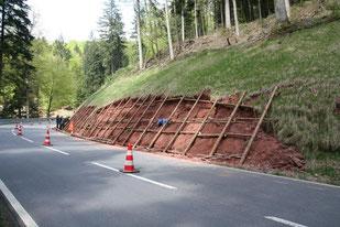 April 2011: Bau des Hangrostes