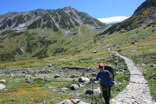 一ノ越への登り   ※後方は、立山