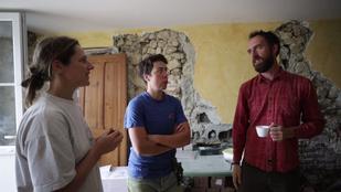 chantier participatif enerterre paille terre