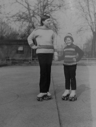 Volker und seine Schwester Gerhild auf der Rollschuhbahn. Foto: Privat