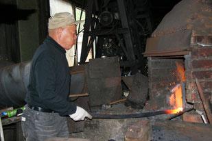 窯で鉄は熱いうちに打て