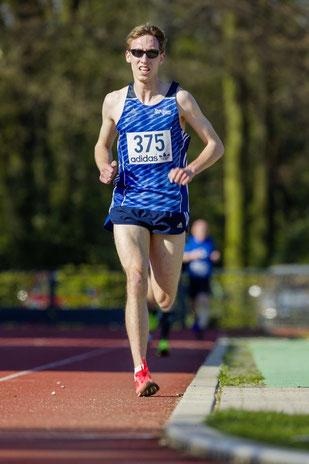 Stefan Ritte vom LAZ Rhede möchte den 800-m-Titel holen.