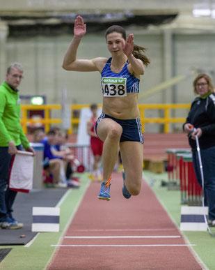 Bei den NRW-Hallenmeisterschaften 2017 in Leverkusen gewann Klaudia Kaczmarek den Dreisprung mit 12,97 Metern. In Leipzig hofft sie auf den DM-Effekt, um ihre gesteigerte Grundschnelligkeit umsetzen zu können. (Foto: Jan-Hendrik Ridder)