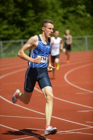 Jan-David Ridder lief in 2:03,91 Minuten ein starkes 800-m-Rennen.