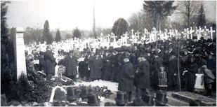 Einweihung des Ehrenmales für die Eltern von August Aschinger 1910