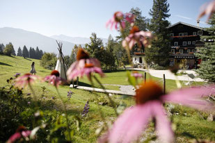 (c) Hotel Grafenast