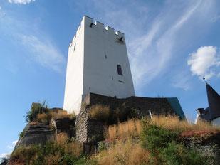 Bergfried der Burg Sterrenberg (Feindliche Brüder) - Mit Restaurant und wunderschöner Aussicht
