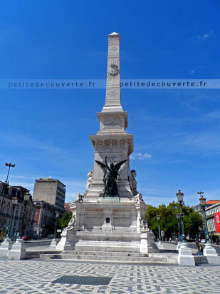 Praça dos Restauradores - Place des restaurateurs à Lisbonne