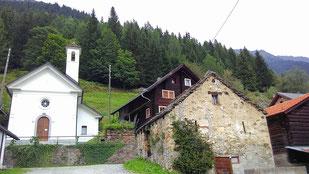 ein typisches Dorf im Walser-Baustil