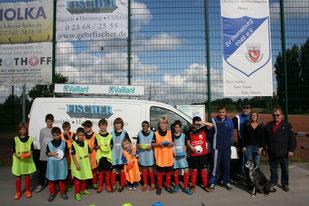 Die E-Junioren mit der neuen Ausrüstung vom Sponsor Gebr. Fischer GmbH & Co. KG aus Oer-Erkenschwick. Foto: Dirk Hantrop