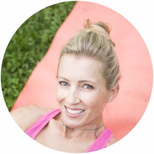 Katja Ziegenaus beim Yoga
