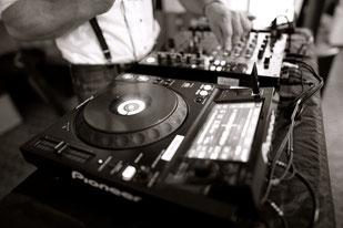 Suite 219 DJ Service & Eventtechnik für Hochzeiten, Firmenfeiern, Geburtstage und Veranstaltungen aller Art in Esslingen, Stuttgart, Reutlingen