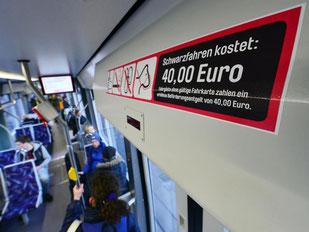 Schwarzfahren soll teurer werden. Foto: Martin Schutt/Archiv