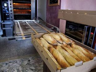 Baquette - das Heiligtum der Franzosen - täglich dreimal frisch
