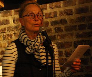 Monika Clever bei ihrem Vortrag
