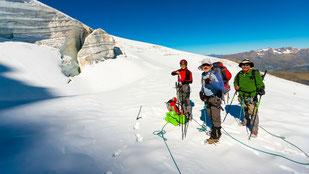 Randonnée glaciaire sur le Glacier de la Girose.