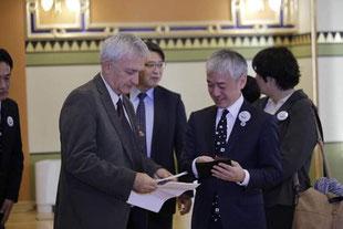 トリノビッチ副市長と宮本和PT代表