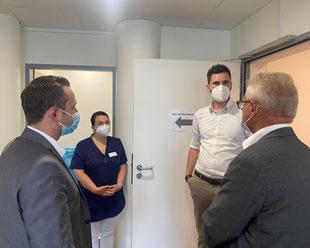 Gespräch zwischen Politikern und Mitarbeitern des medizinischen Versorgungszentrums (MVZ) in Friedrichshafen