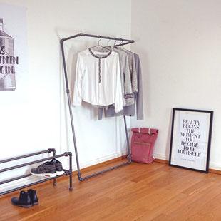 Kleiderstange aus Rohren von The Upcycle Store