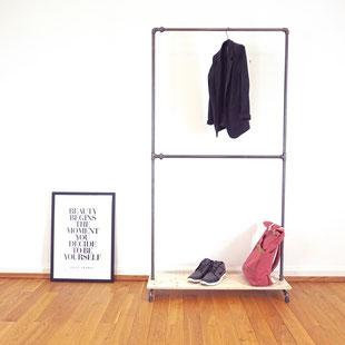 Garderobe aus Wasserrohren von The Upcycle Store