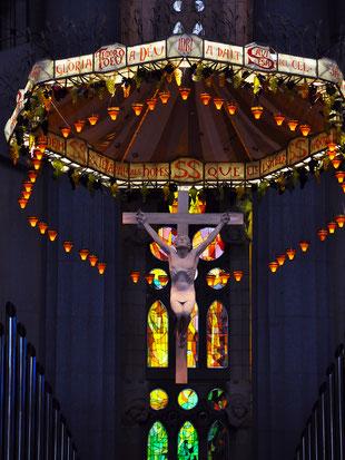 サグラダ・ファミリア主祭壇のイエス像