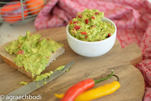 CHILI-AVOCADO-MOUSSE  MINI-REZEPT