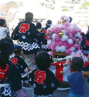 夏祭りの子ども神輿