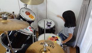 リトミックレッスン・ドラム演奏