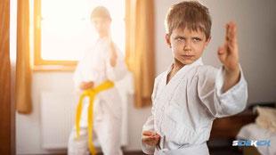 Junge macht Karate in Markdorf