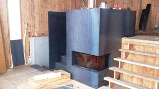 Stahltreppe & Ofen-Verkleidung