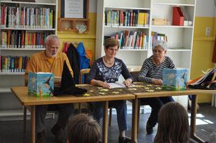 Gerold Engelmann, Waltraud Arnold und Kathrin Stolle vom Förderverein Lesen und Buch