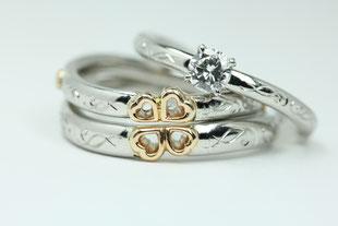 セットリング 男性の結婚指輪と女性の結婚指輪を重ね合わせれます