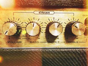 エレキギターアンプ