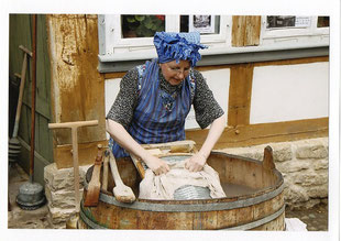 Großer historischer Waschtag im Bürgerhaus von 1752 in Bad Münder