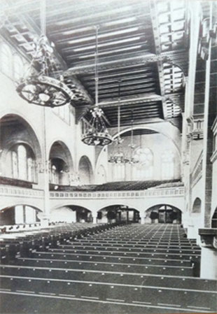 The synagogue in 1904