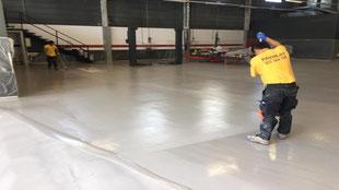 Suelos y pavimentos industriales para la automoción de resinas continuos en Barcelona