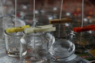 leere Gläser für Kerzen