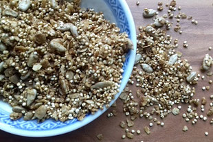 Knuspermüsli mit Quinoa