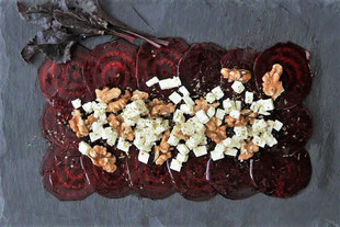 Rote-Beete-salat mit karamellisierten Walnüssen