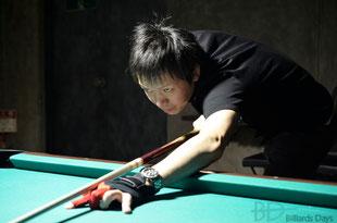 赤狩山幸男プロ(JPBA) ※この写真では試作品を装着しています
