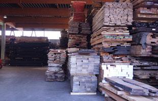 Schnittholzlager Hamburg Schnittware Blockware Rundholz Lagerhalle Holzhandel