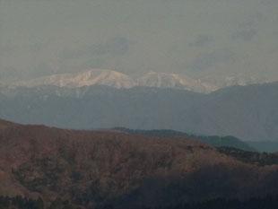 武奈ケ嶽直下から銀杏峰と部子山を超アップで