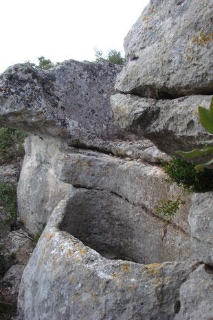 In Fels gemeisseltes Druidenbecken, Zisterne, Megalithkultur
