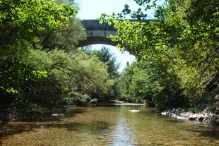 Baden in glasklaren Flüssen ( 10 km )