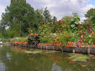 The Gem, B&B, guesthouse, guest rooms, bed and breakfast, family suite, Floating gardens Amiens