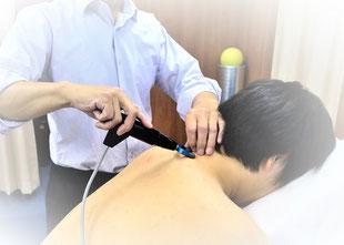 最新の医療機器でのストレートネックの施術