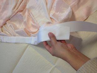内側に衿芯を通せば表にひびかず綺麗に仕上がります