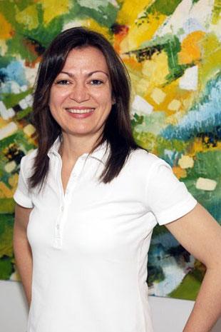 Cornelia Gauglitz, Dentalhygienikerin, Frankfurt, professionelle Zahnreinigung, Parodontitis-Behandlung, Prophylaxe, Bleaching